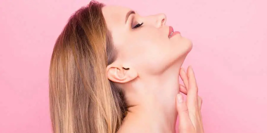 3 SIGNS YOU NEED A FACE AND NECK LIFT